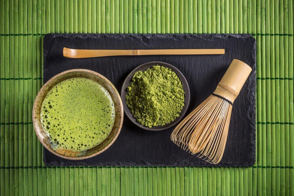 Cần chuẩn bị tốt nguyên liệu thì bột trà xanh được sơ chế ra mới ngon