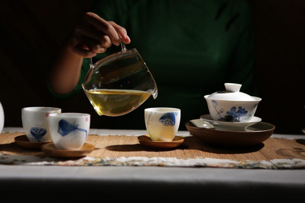 Uống trà ô long giúp giảm cân hiệu quả