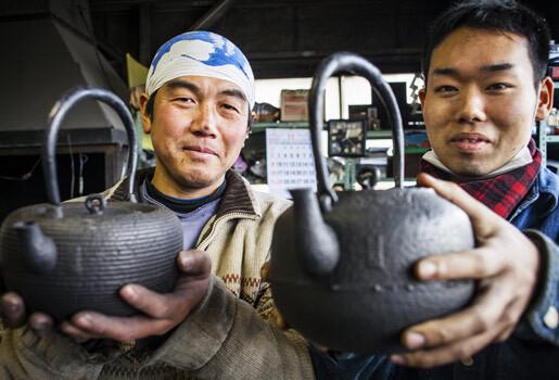 Những sản phẩm bằng sắt - gang của anh em nhà Okamaya
