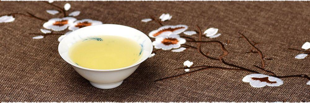 Nước trà (nước chè) là loại nước uống rất phổ biến trên thế giới, có thể nói là chỉ xếp sau nước uống thông thường.